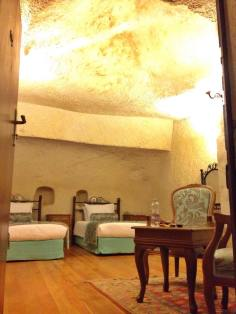 Imperial Cave Hotel room