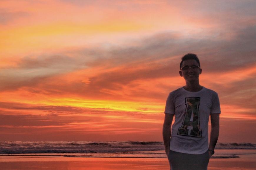 jermpins sunset seminyak beach bali