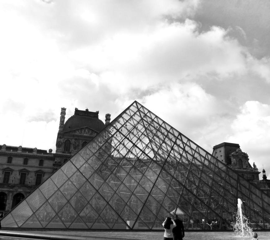 Musee du Louvre paris france
