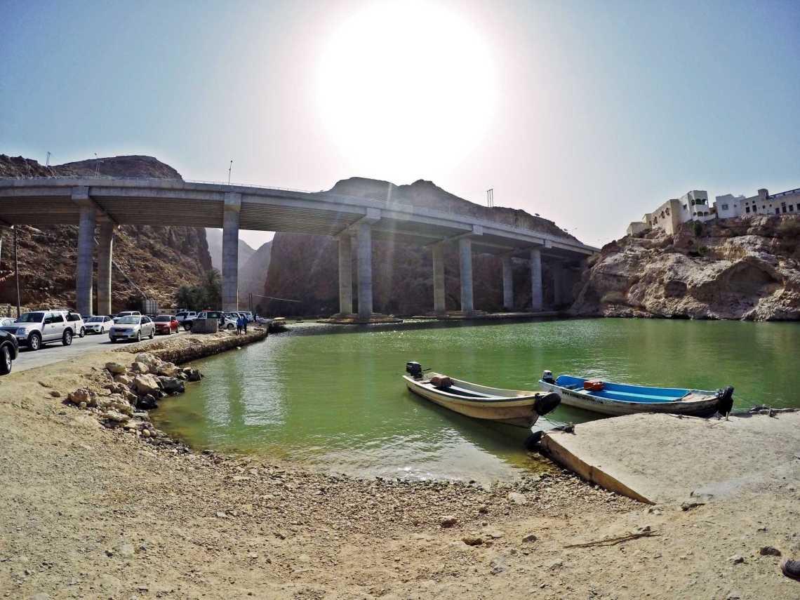 Wadi al Shab entrance muscat oman jermpins