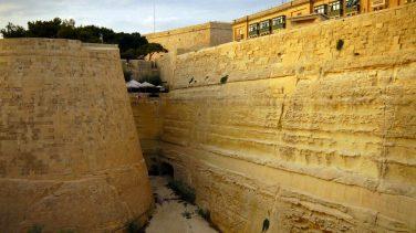 Valetta, the moat