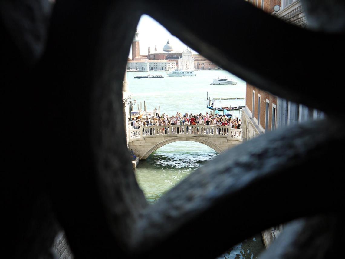 bridge of sighs venice italy jermpins