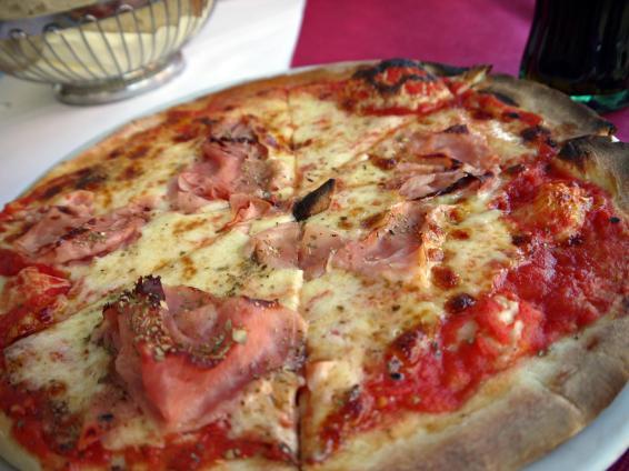 The best prosciutto pizza