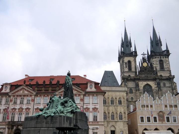 jermpins prague old town square