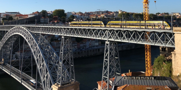 jermpins Metro Line D on the Dom Luis I upper deck Porto