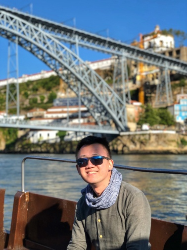 Dom Luis I Bridge from Douro river cruise